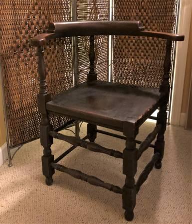 Antique Corner Chair     $180     View on Craigslist