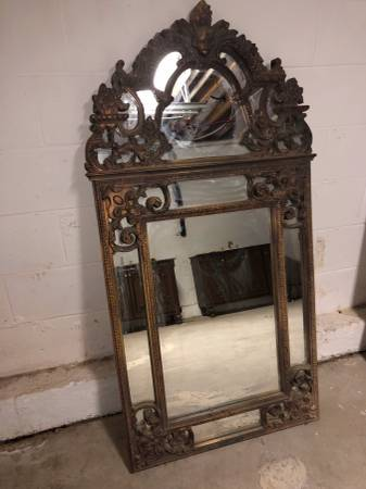 Vintage Mirror     $100     View on Craigslist