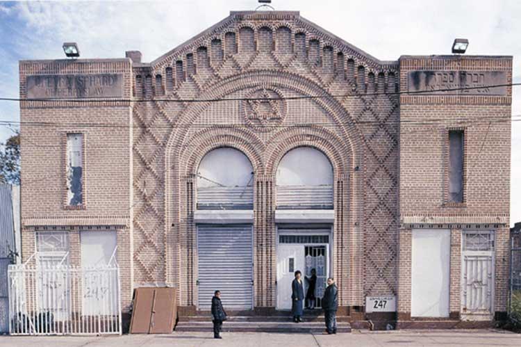 La Sinagoga, Snediker Avenue, Brooklyn , 2004
