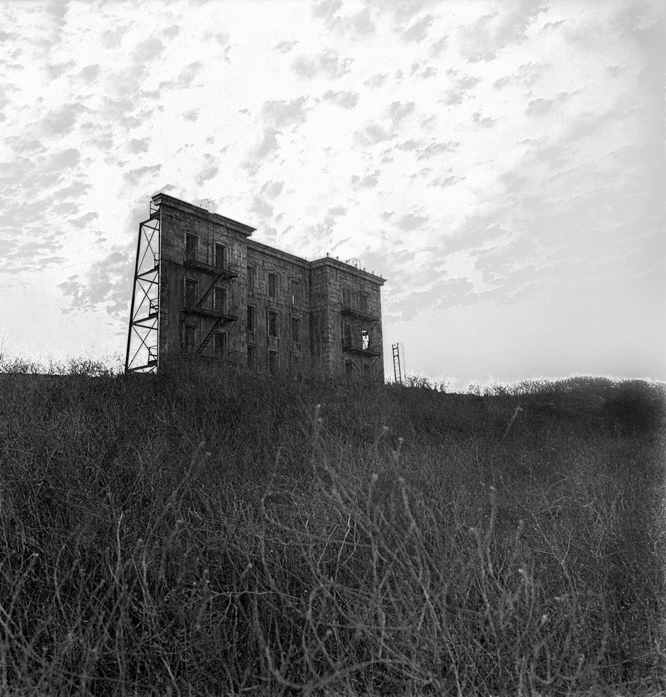 Diane Arbus ,   A House on a Hill, Hollywood , 1963