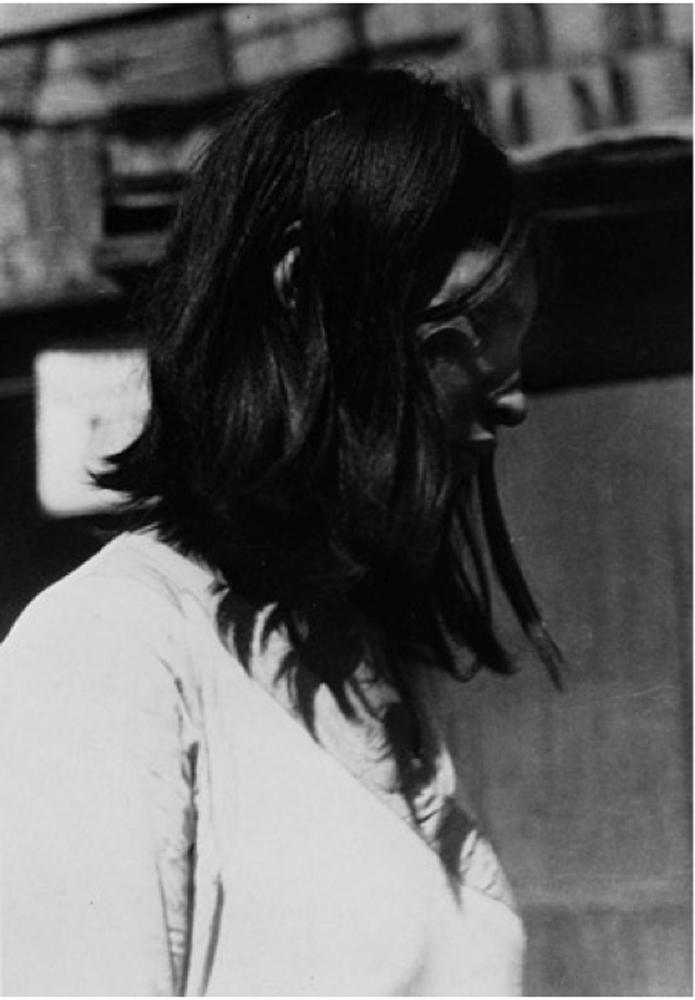 muchacha en el templo , Mexico, 1930's