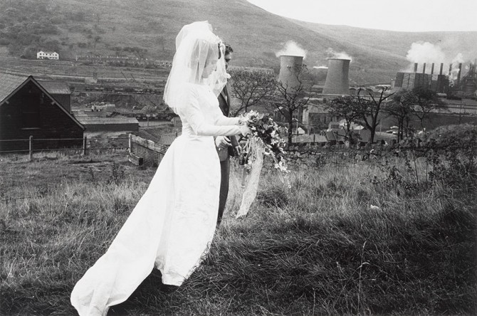 "Bruce Davidson, ""Wales, 1965"", 1965. Mid-vintage gelatin silver print. Fine Arts Museums of San Francisco, gift of Earl and Sue Cohen. © Bruce Davidson/Howard Greenberg Gallery"