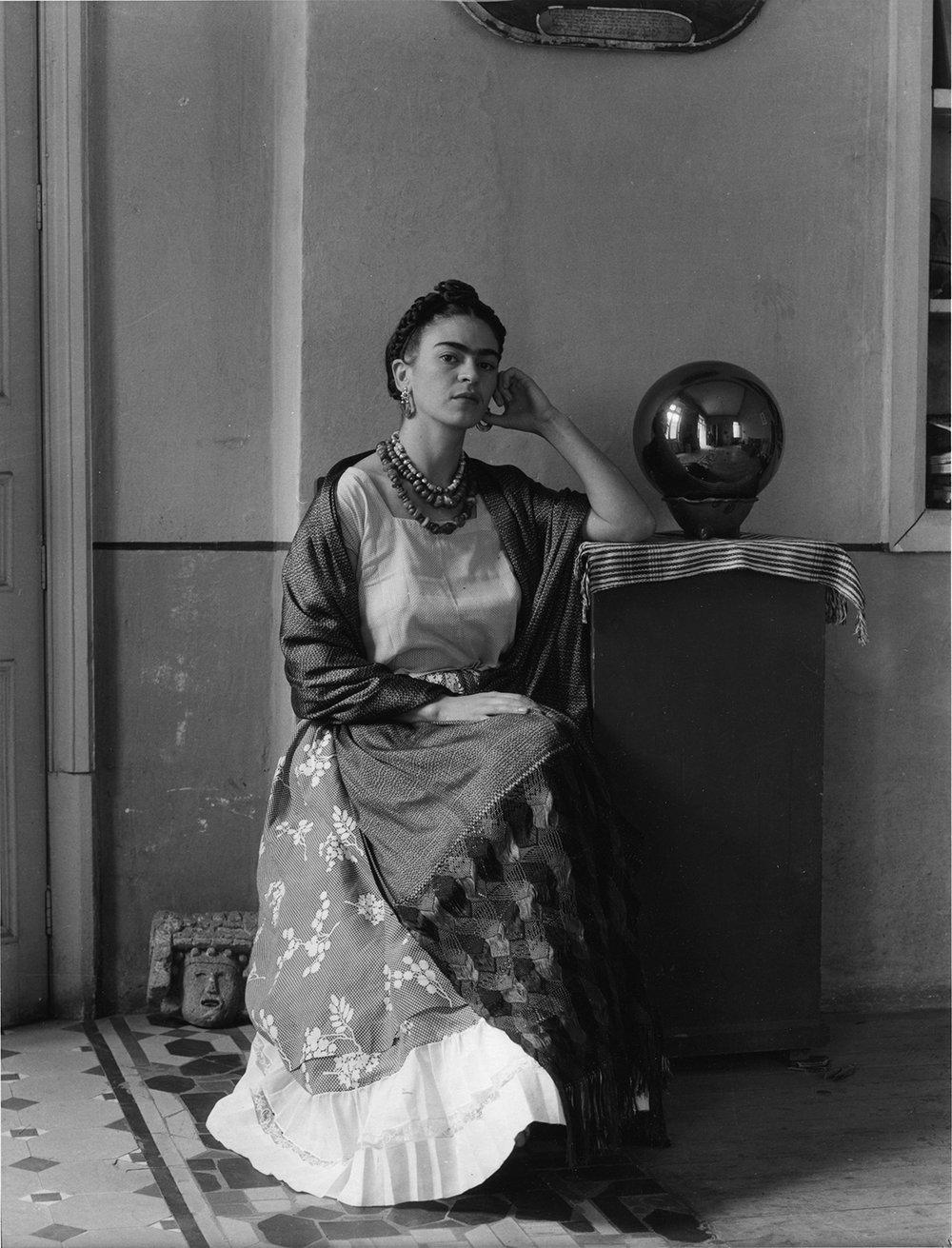 Manuel Alvarez Bravo  Frida Kahlo con globo, Coyoacán, México , 1938 10 x 8 inches Silver Gelatin Print