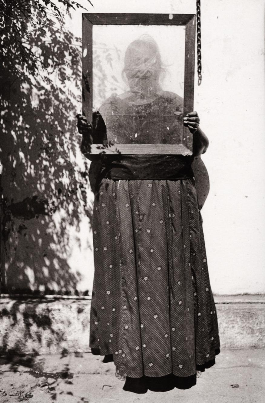 Graciela Iturbide    Serafina , Juchitán, Oaxaca, 1985  9.5 x 12 inch Vintage Gelatin Silver Print