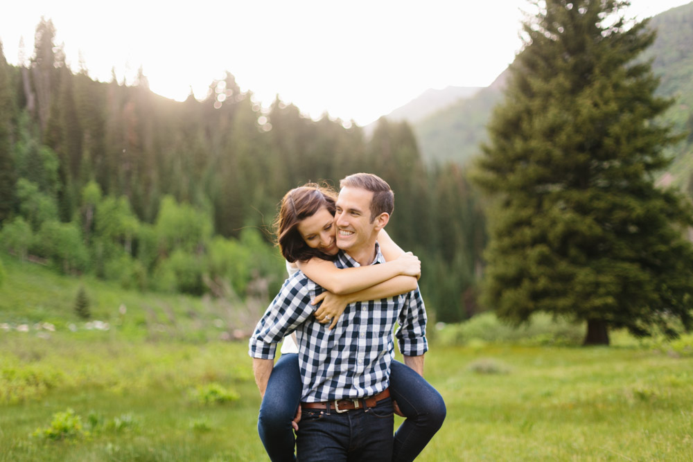 utah-lifestyle-outdoor-engagement-photographer-2.jpg