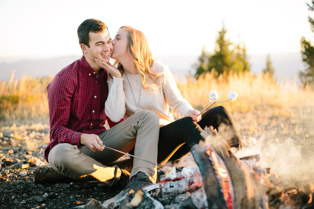utah-lifestyle-outdoor-engagement-photographer-11.jpg