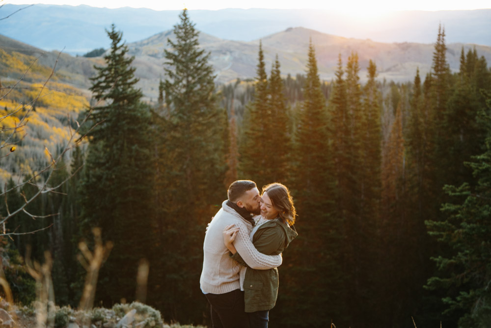 utah-lifestyle-outdoor-engagement-photographer-15.jpg