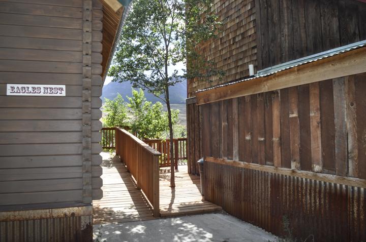 cabins-12.jpg