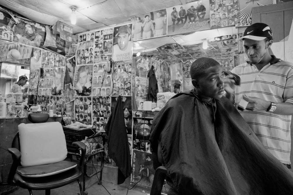 San Lorenzo, Ecuador. 2010          A Colombian refugee's barber shop in the border town of San Lorenzo.
