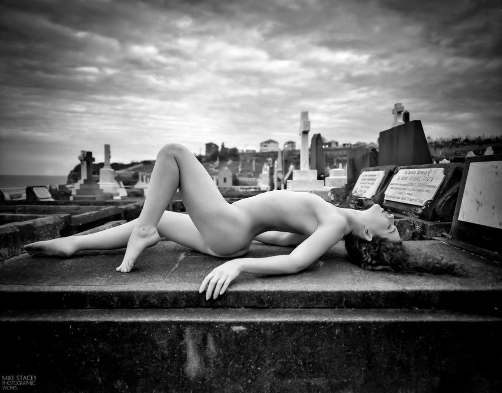 Trans Sleep, Keira Grant