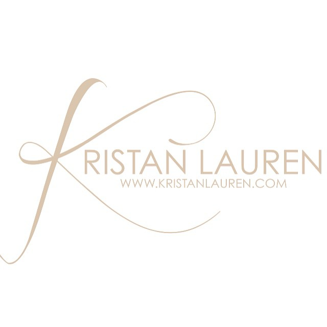 Happy Monday!! Book your next appointment for this Holiday weekend today. Just clink the link in my bio for your personal consultation. @kristanlauren #stylist #entrepreneur #Chicago #GrandRapids