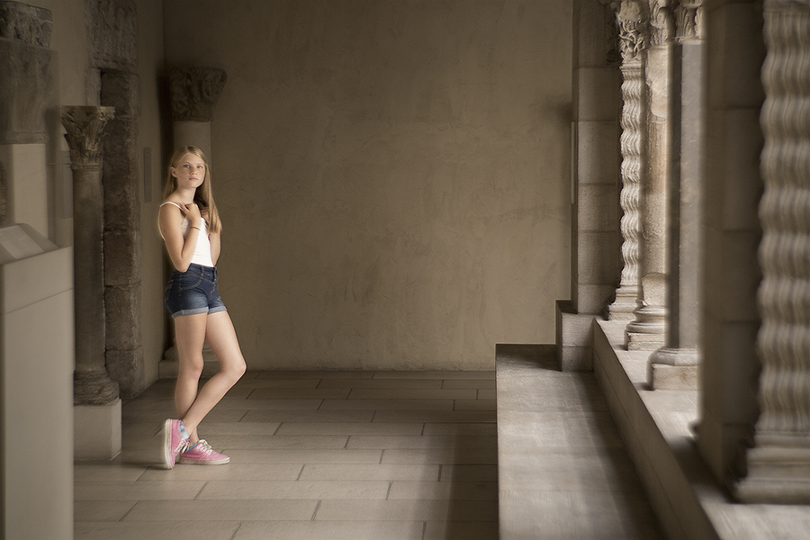 iona a cloisters pink shoes small.jpg