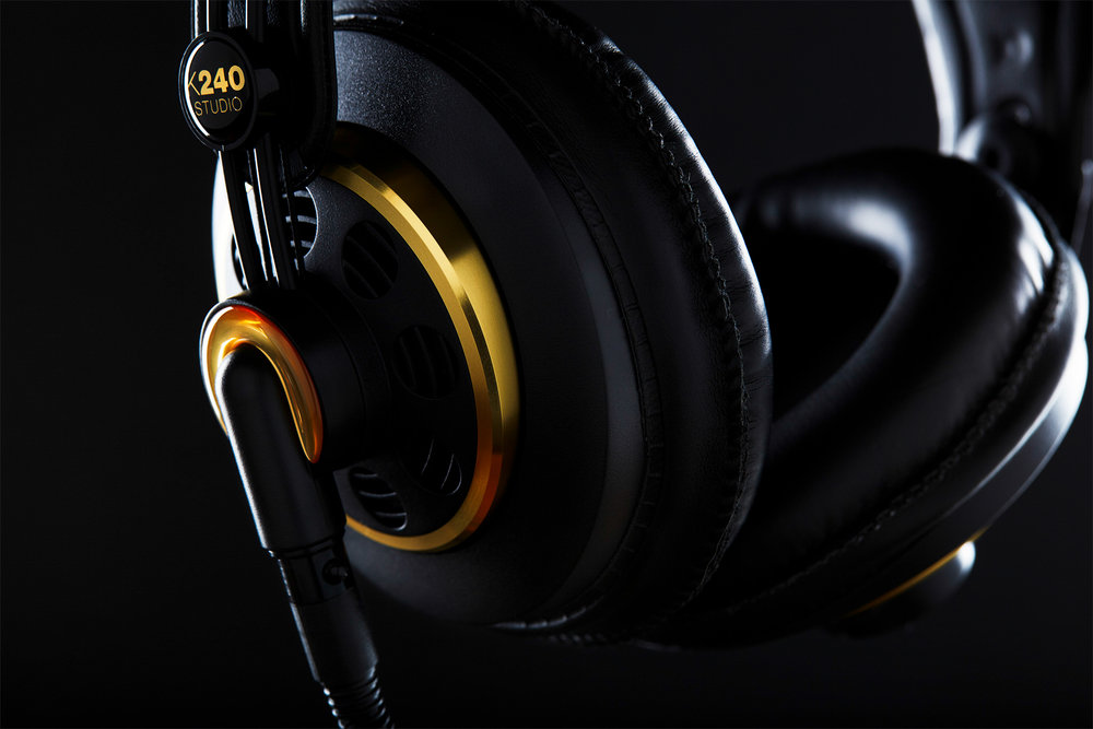 EdwardBoePhotography_ChicagoProductPhotography_Headphones.jpg