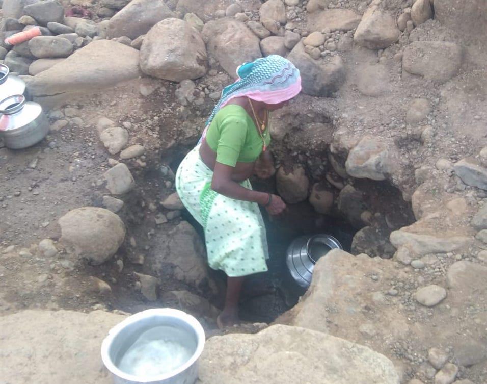 _Woman digging2.jpeg
