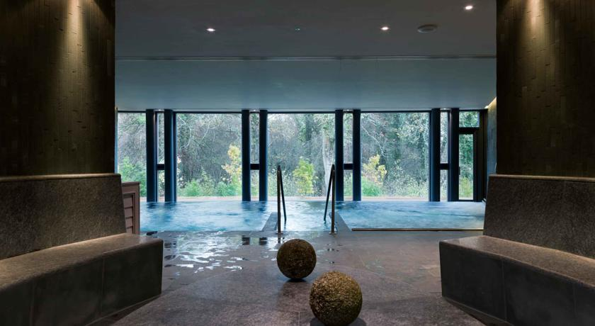 The Limewood Hotel, Hampshire  This hotel spa is ludicrously luxurious where staff are on hand to help you with your every whim or desire. The price is reflective of this and the A List clientele you are likely to be rubbing shoulders with, but sometimes we need to throw money at our relaxation! Plus the spa's lush surroundings will make you wonder why you haven't thrown it sooner!