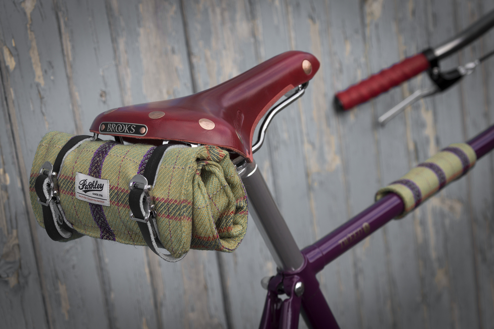 Tweed 5 Saddle and Tool Roll.jpg
