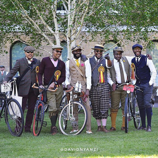 Utterly impeccable style captured by @davidnyanzi this morning. #regram #tweedrun