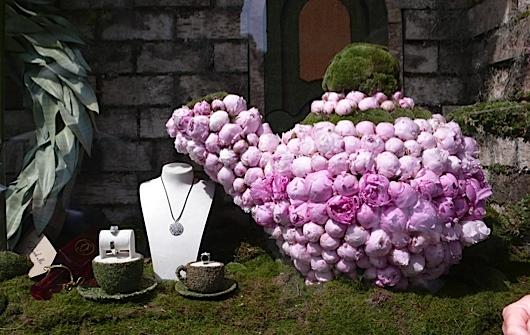 Sloane in Bloom Cartier teapot main