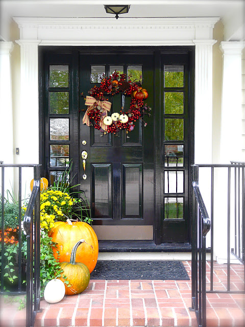 fall-door-decoration-idea-beautiful-wreath
