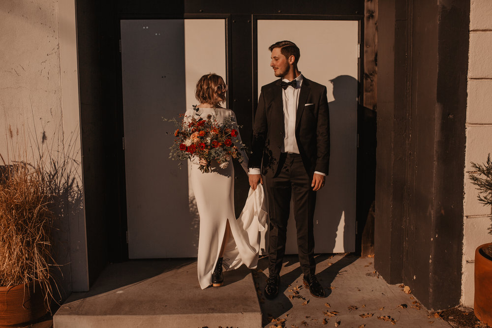 union-pine-urban-portland-trendy-wedding-250.jpg
