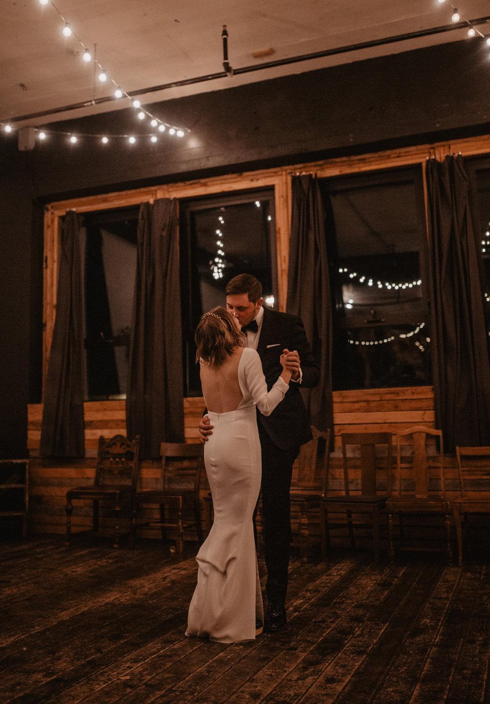 union-pine-urban-portland-trendy-wedding-629.jpg
