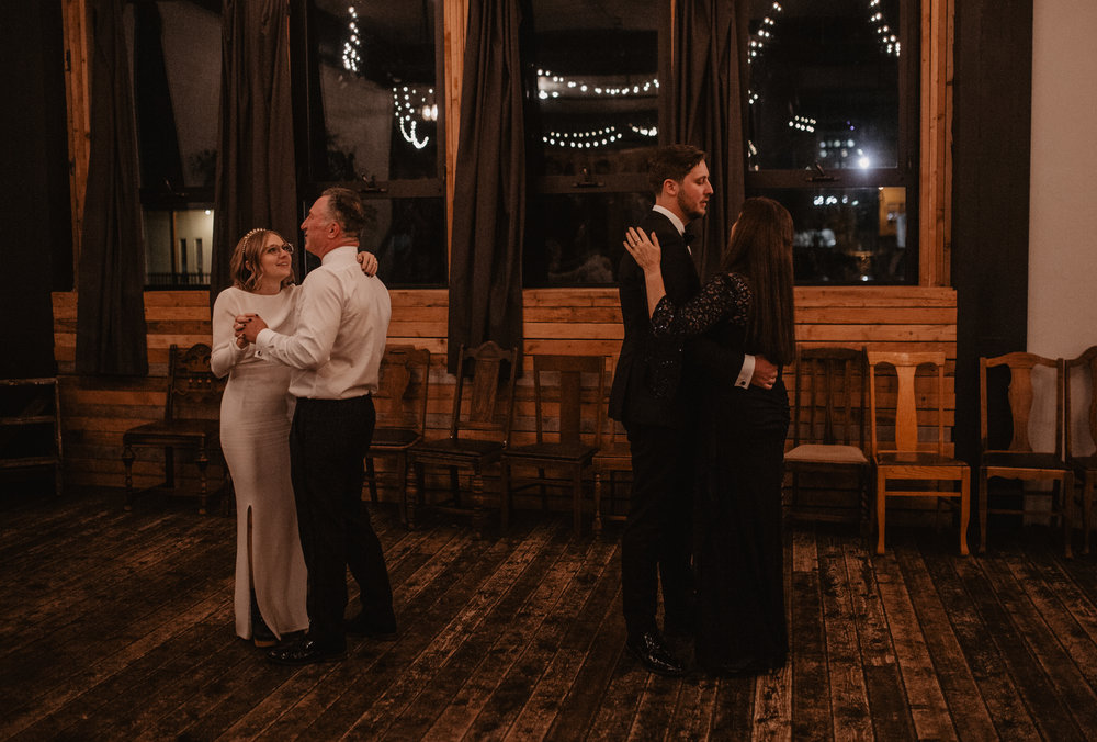 union-pine-urban-portland-trendy-wedding-643.jpg