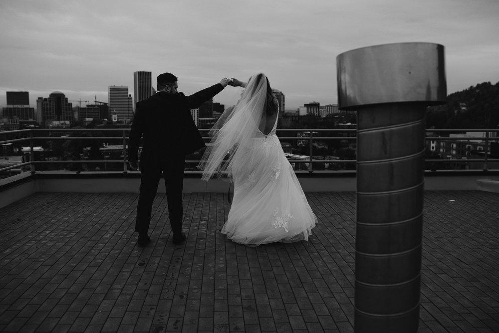 moody-urban-portland-wedding-79.jpg