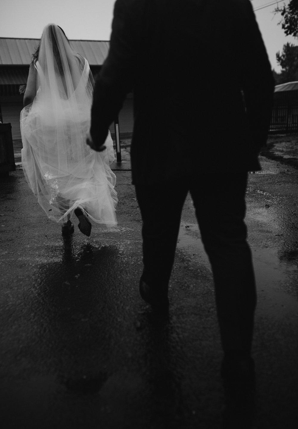 moody-urban-portland-wedding-268.jpg