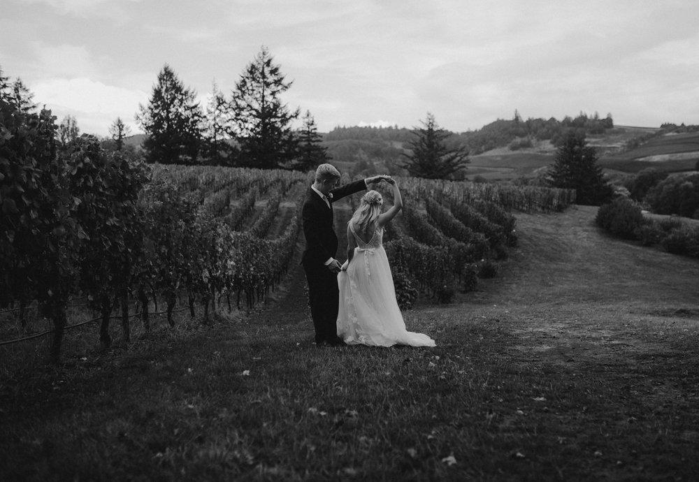 zenith-vineyard-oregon-summer-wedding-233.jpg