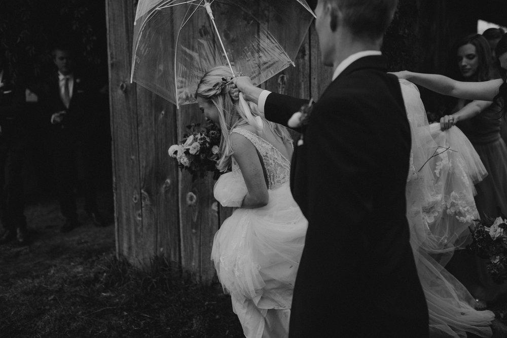 zenith-vineyard-oregon-summer-wedding-374.jpg
