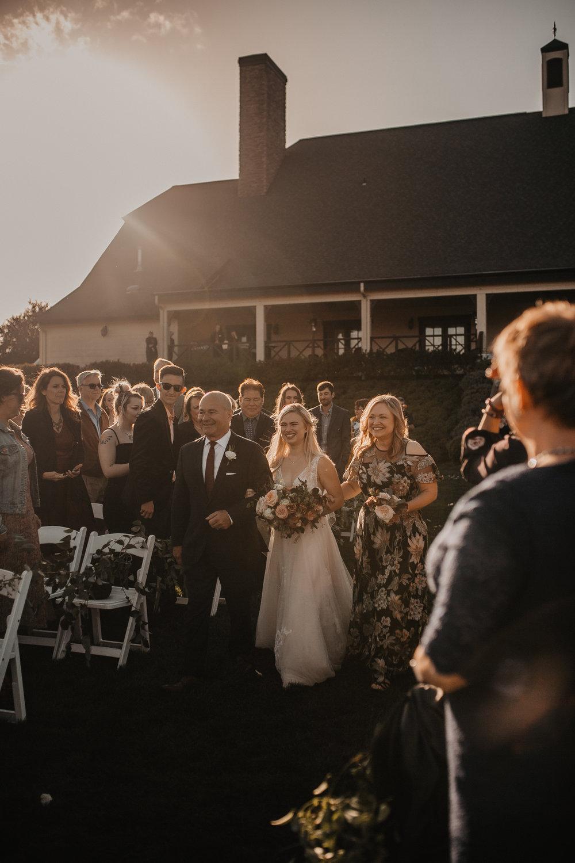 zenith-vineyard-oregon-summer-wedding-664.jpg