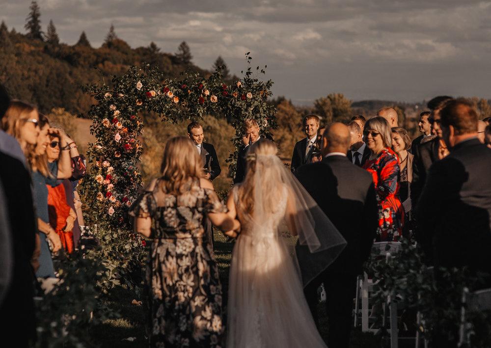 zenith-vineyard-oregon-summer-wedding-681.jpg