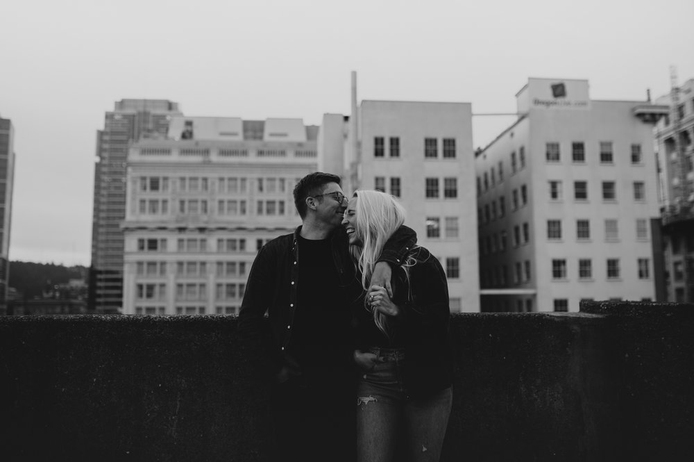 portland-rooftop-couple-photos-23.jpg