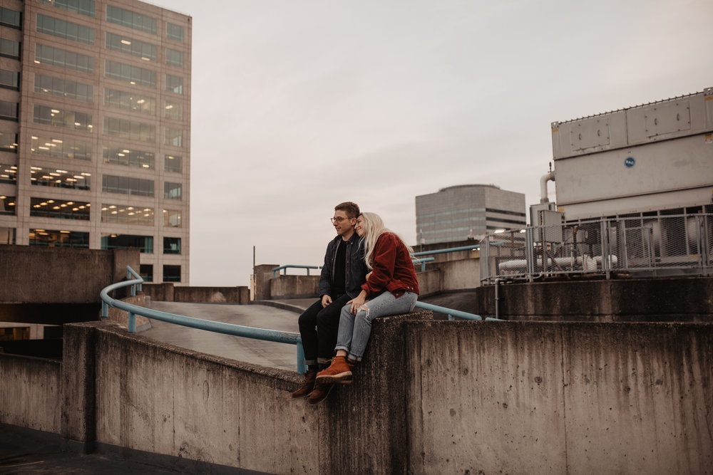 portland-rooftop-couple-photos-66.jpg
