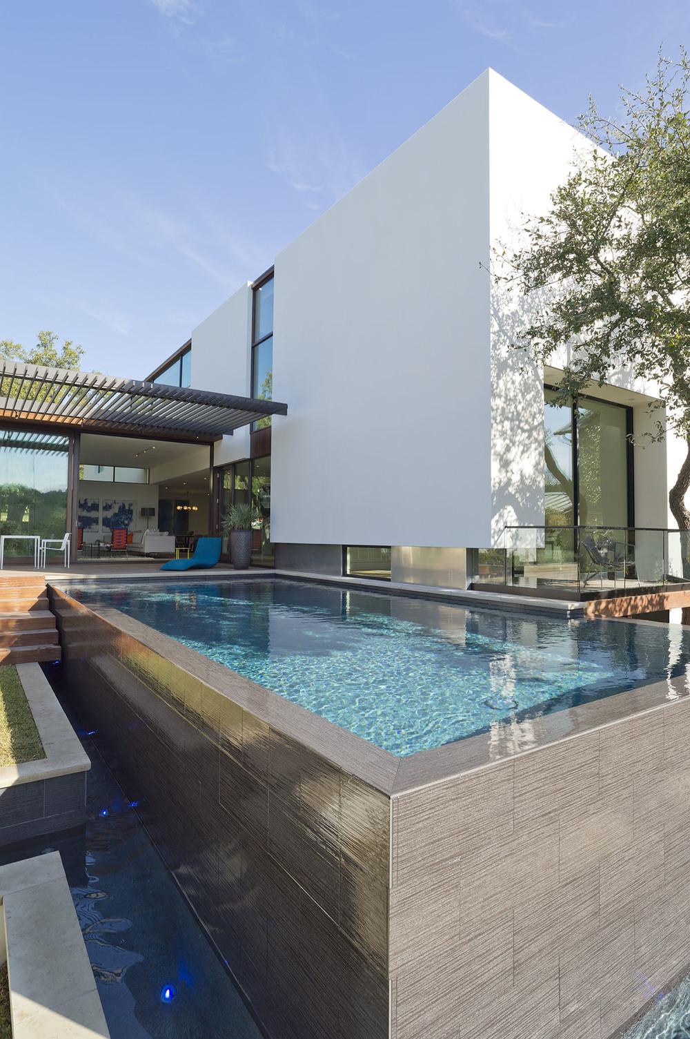 Modern design build modern pools inc pool design for Pool design kg