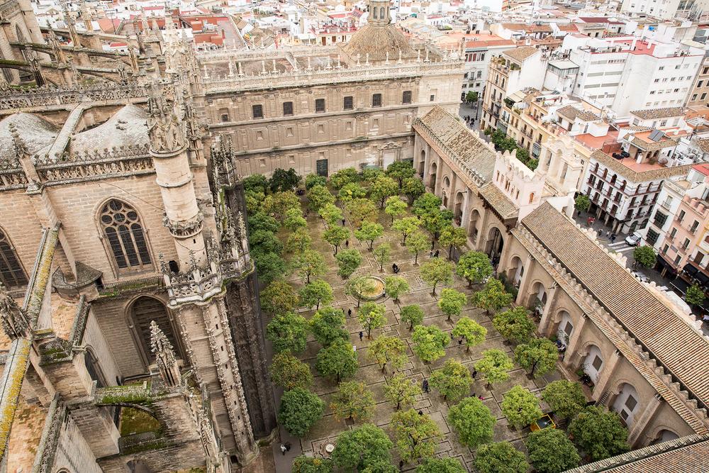 Patio de los Naranjos, Seville