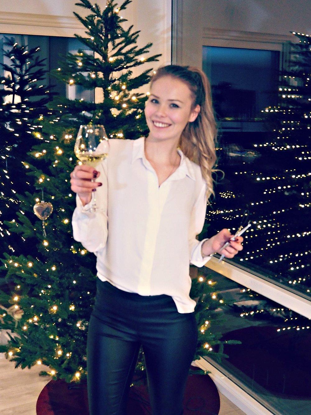 juletrepynting og vin
