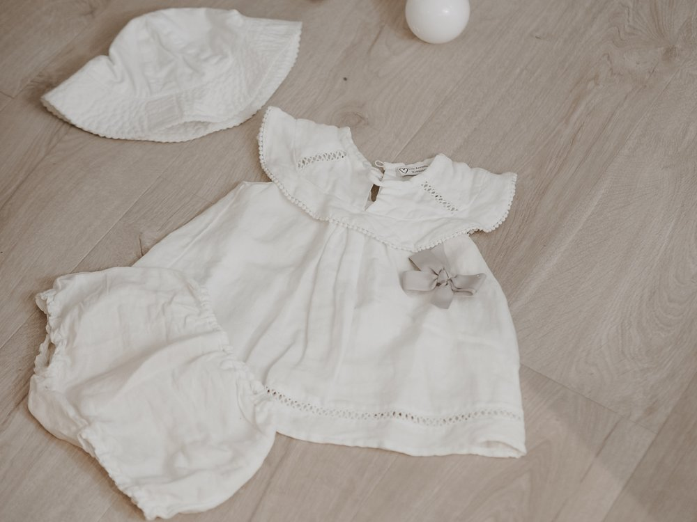 flatlays, babygirl clothes, sommerkjole, miniature