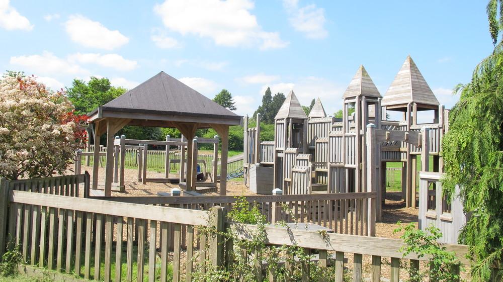 Finstock Park 4.JPG