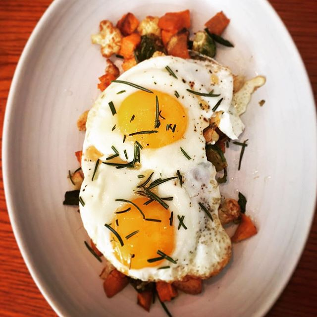 Check out these eggs over sweet potato hash @gatherchicago #chicago #instachef #florida #travel #newyork #florida #fresh #fit #healthy #nyc #chicago #foodporn #boston #nyc #trickortreat #worldseries #chicago #travel #miami #instachef  #eater #travel  #chef #vegetarian  #atlanta #newyork #dc #cocktail  #uk #cocktails #truffles #eggs #balsamic #caviar #truffle