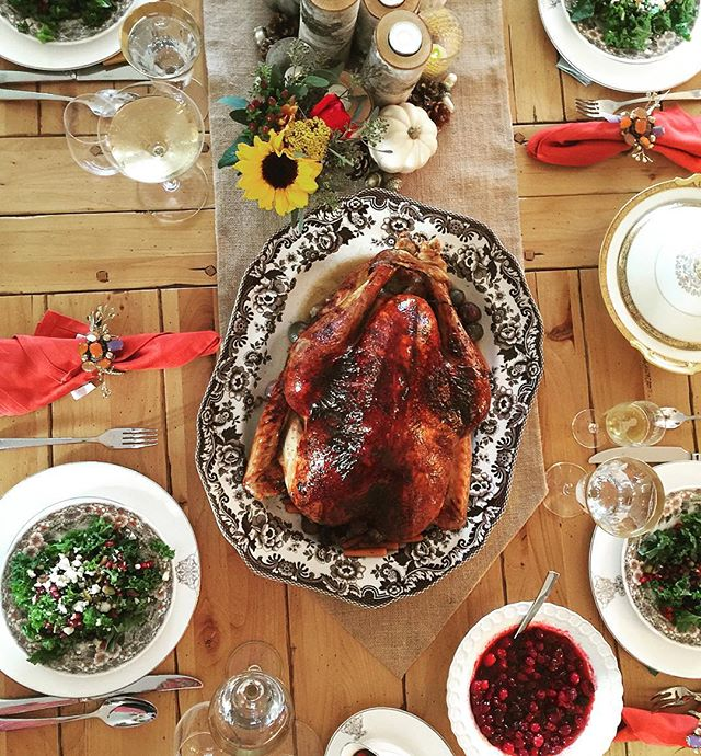 If you feel groggy after an old-fashioned Thanksgiving meal, the bird on your plate may be partially to blame. Turkey meat contains tryptophan, an amino acid that the body uses to make serotonin, a neurotransmitter in the brain that helps regulate sleep. However, all meat contains tryptophan at comparable levels. Other tryptophan-rich foods include cheese, nuts and shellfish.  What makes the Thanksgiving meal so memorably tiring is the mix of meat with carbohydrates. Carbs from stuffing, sweet potatoes, bread, pie and sugary sweets stimulate the release of insulin, which then triggers the uptake of most amino acids — except for tryptophan — from the blood into the muscles. With the other amino acids swept out of the bloodstream, tryptophan doesn't have to compete with them and is better able to make its way to the brain to help produce serotonin, which then preps you for sleep.  #menumore #thanksgiving #turkey #foodporn #cheflife #travel #chicago #newyork #miami #cranberry #table #travel #cheatday #instachef thanks livescience.com great photo @agaudelet