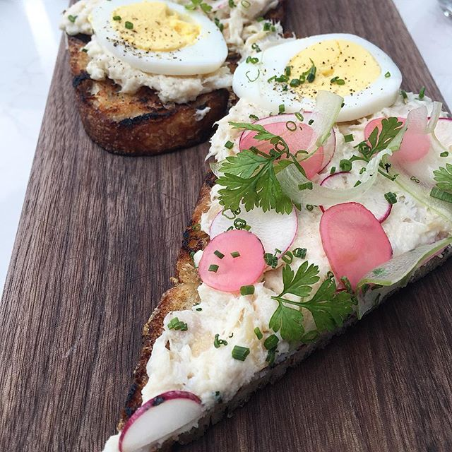 Whitefish tartine @greenriverchi #cheflife #chicago #chef #foodporn #egg #brunch #instachef #french #sandwhich #radish #vegetarian #stpatricksday