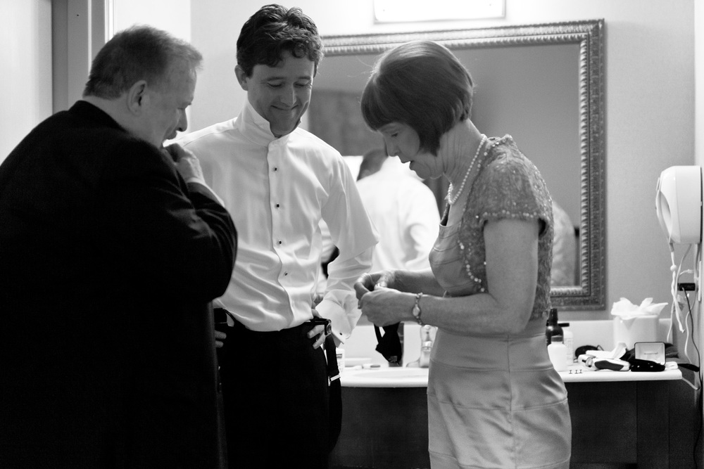 0072-mj-dressing-0109-groom-072812-wedding-4441.jpg