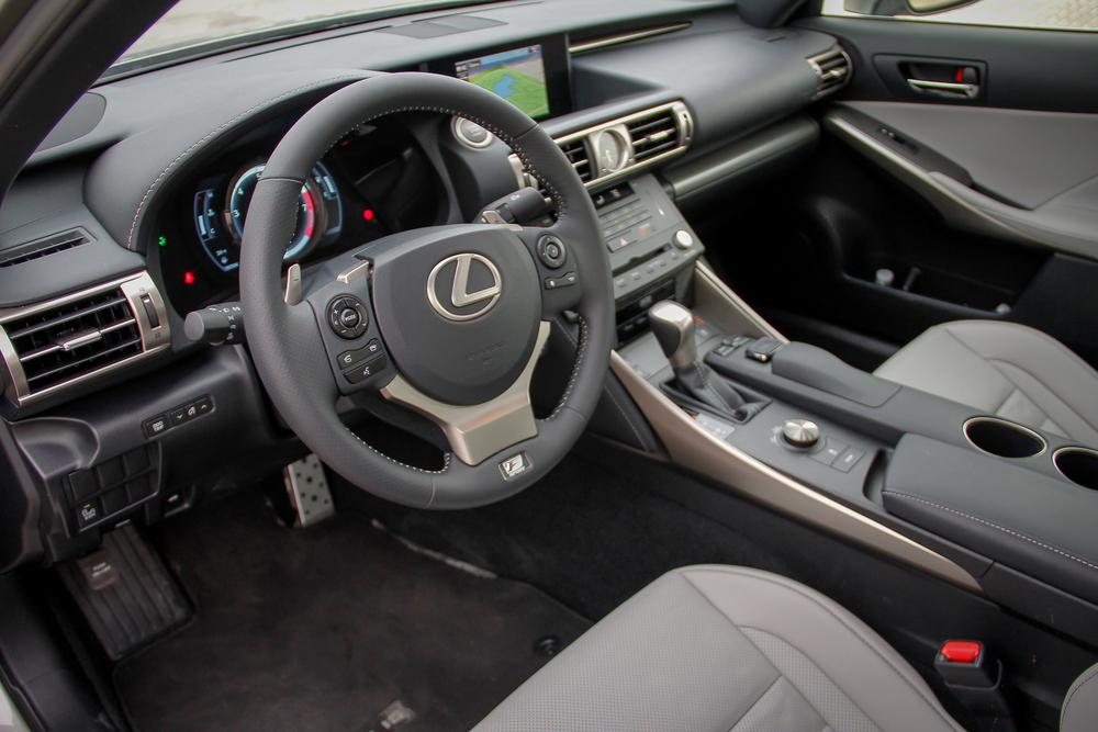 15.Lexus.IS350.Fsport-30.jpg