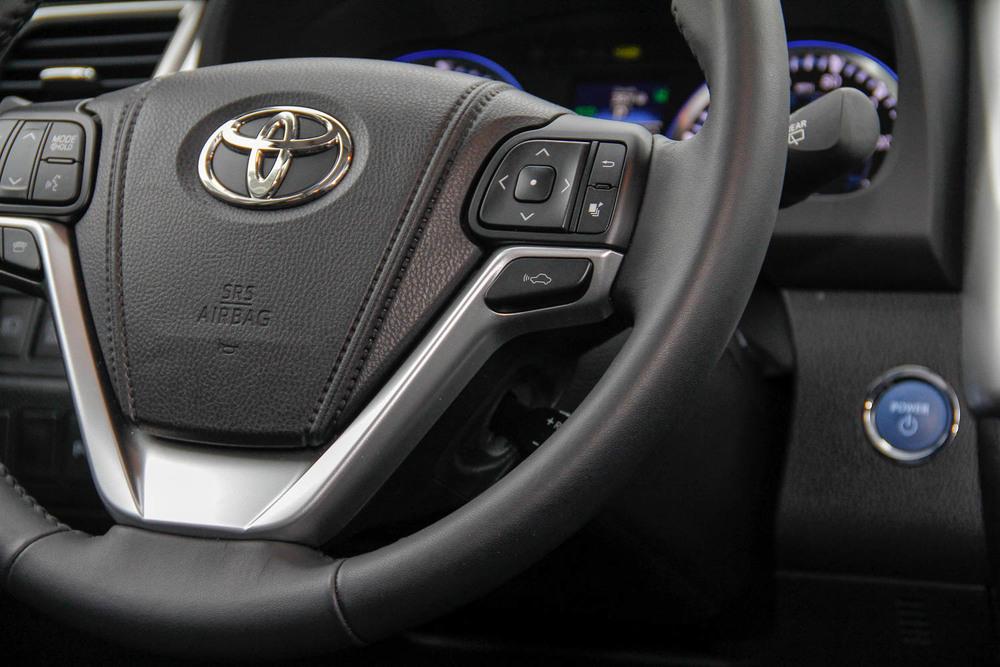 15.Toyota.Highlander.Hybrid-20.jpg