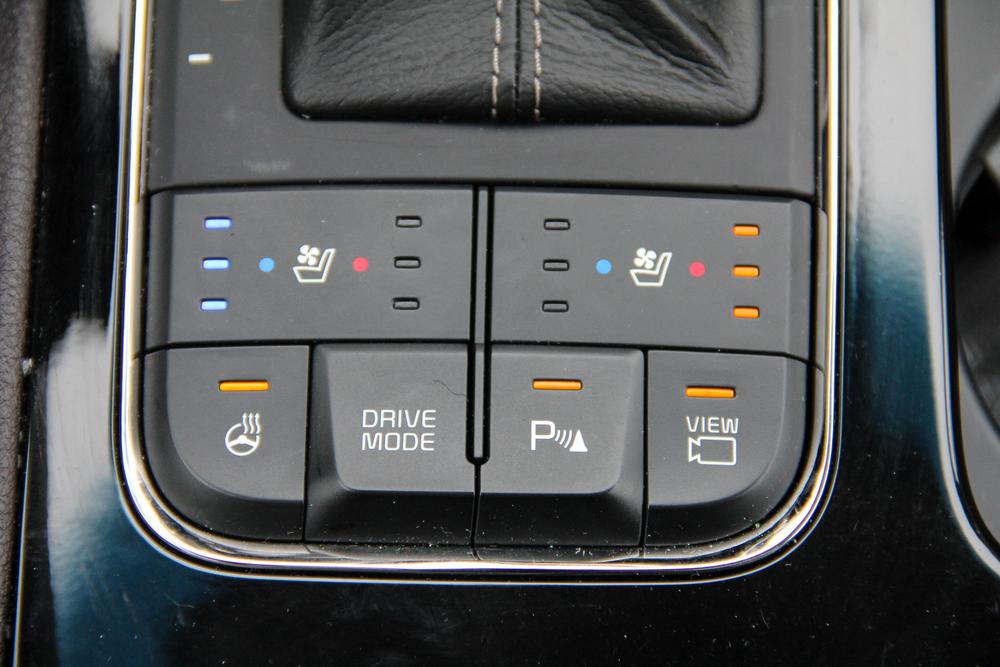 16.Kia.Sedona.SXL-9.jpg
