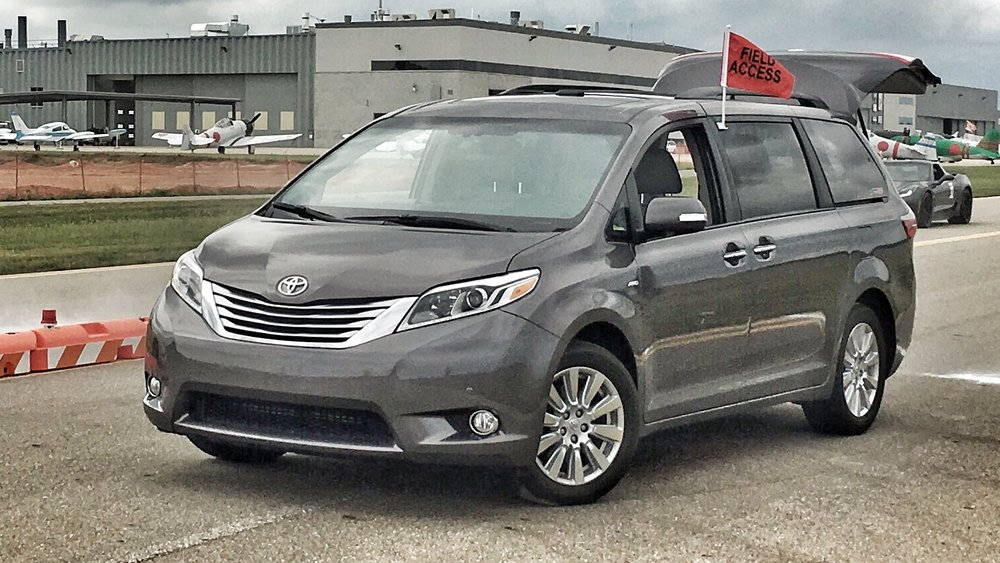 2017 Toyota Sienna Limited Premier AWD (Staff Photo)