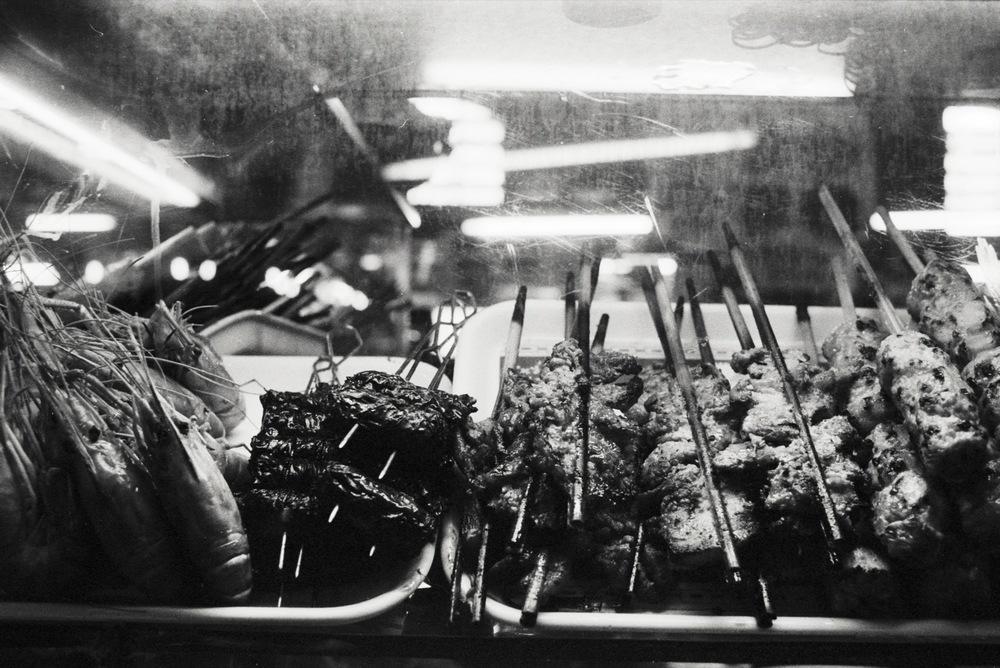 vietnam_nhatrang_food_skewers_shrimp_street.jpg