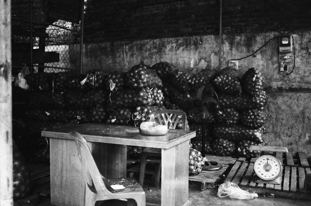 vietnam_nhatrang_potatoes_street_vendor.jpg