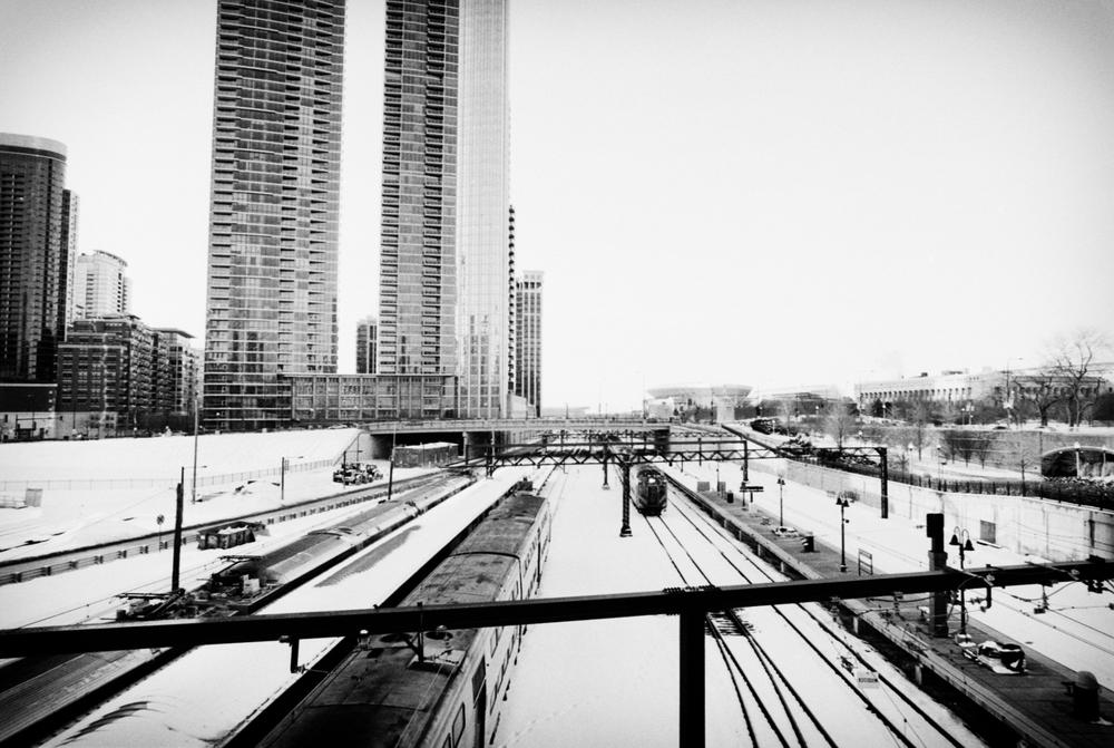 chicago_winter_train_tracks_bridge.jpg